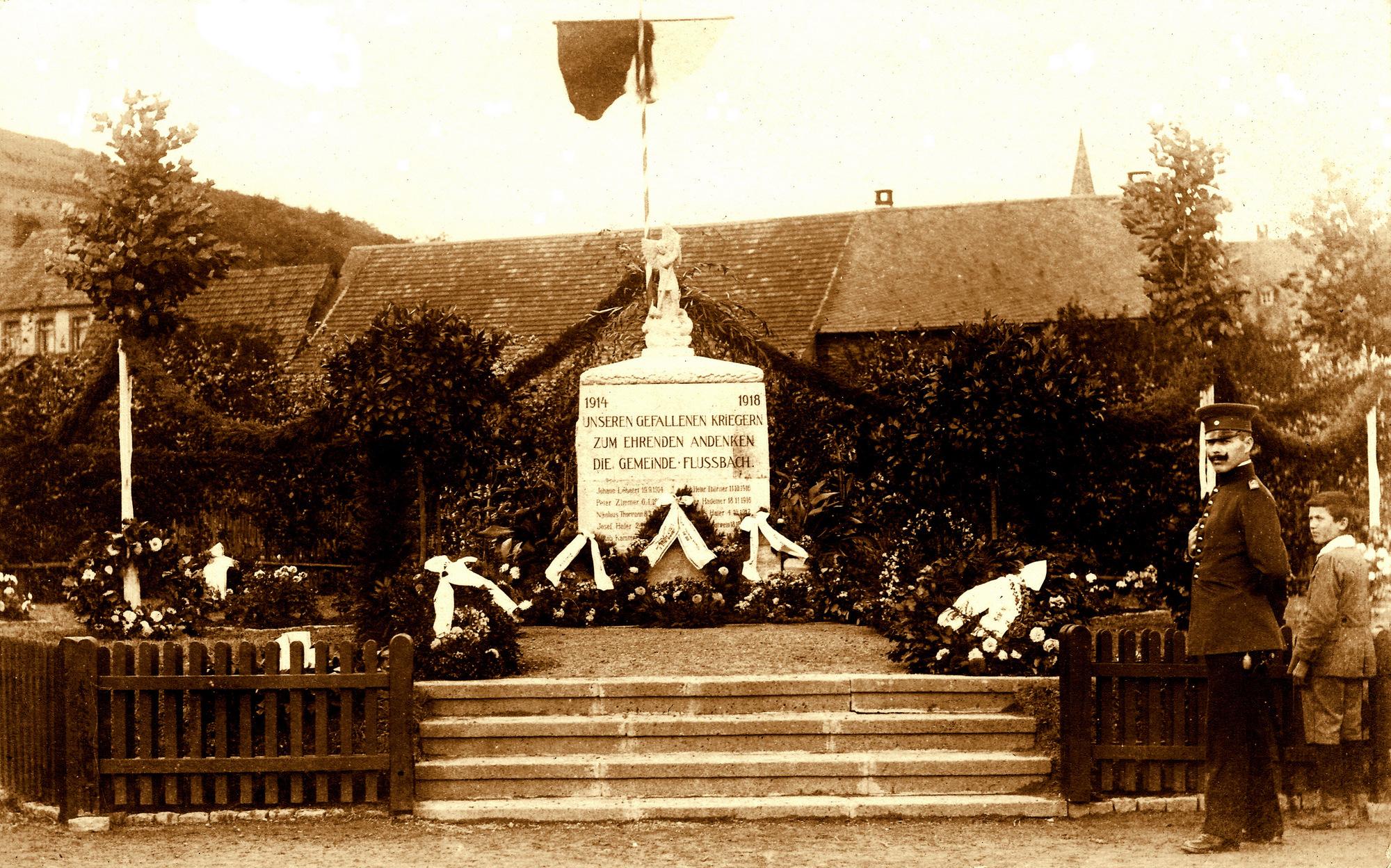 Flußbacher Ehrenmal 1924 (Bild aus der Sammlung von K. H. Schmitz)