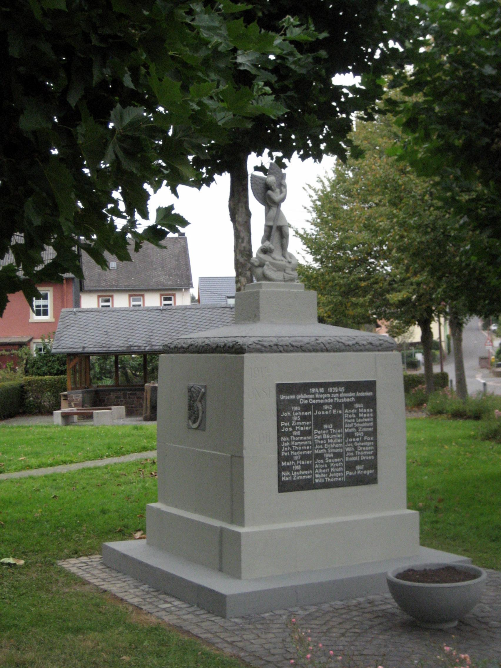 Das Kriegerehrenmal nach seiner Sanierung im Oktober 2016